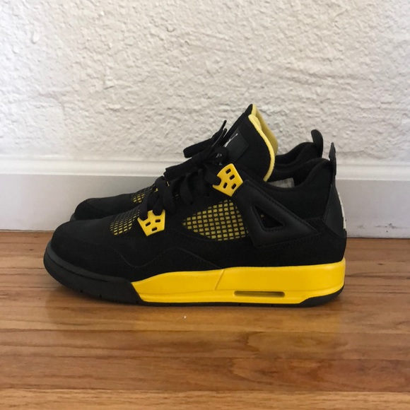 40d63f982f6cc6 Jordan Shoes - Jordan 4s - Thunder